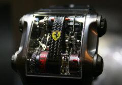 Montre-Ferrari-Cabestan