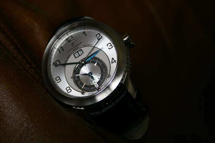 Montre-GMT-Charriol-Columbus-Grande-Date