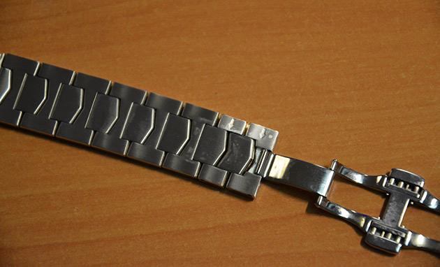 enlever-maillons-bracelet-montre-acier