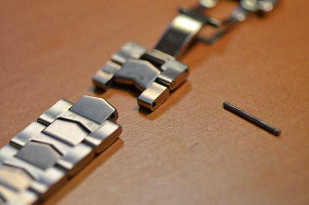 sortir-maillons-bracelet-montre-acier