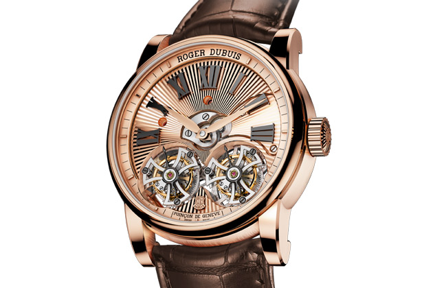 Roger-Dubuis-Double-Tourbillon-Volant-guilloché-main