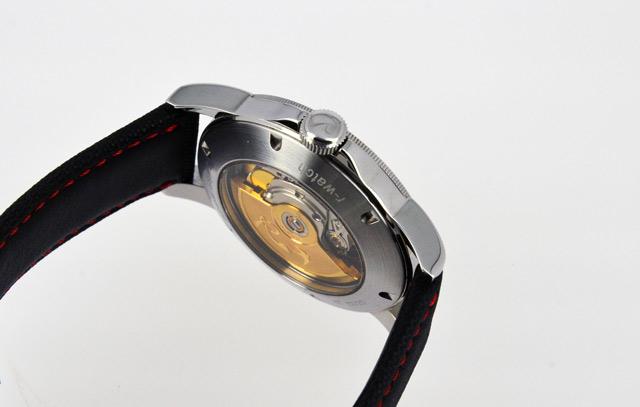 Montre-r-watch-swiss-made