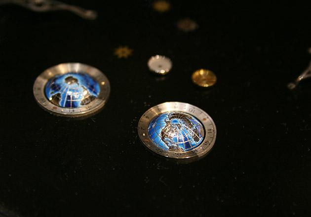 globes-Montblanc-Tourbillon-Cylindrique-Geosphères-Vasco-da-Gama