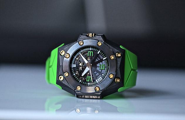 montres-Linde-Werdelin-Oktopus-Double-Date-Carbon-Green