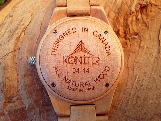 Fond-montre-bois-Konifer