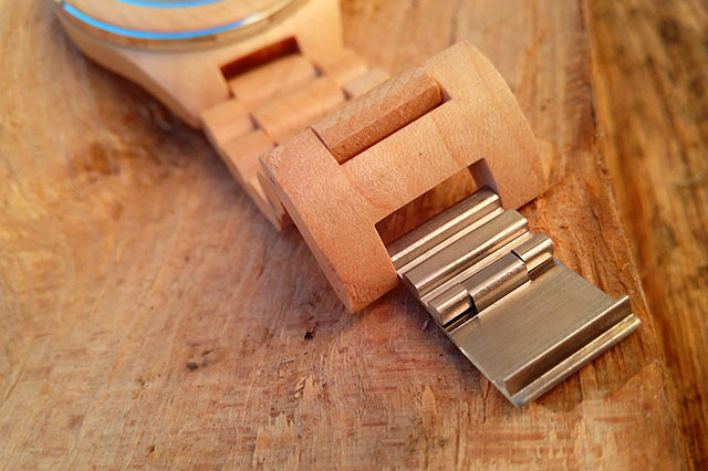 bracelet-montre-en-bois-konifer