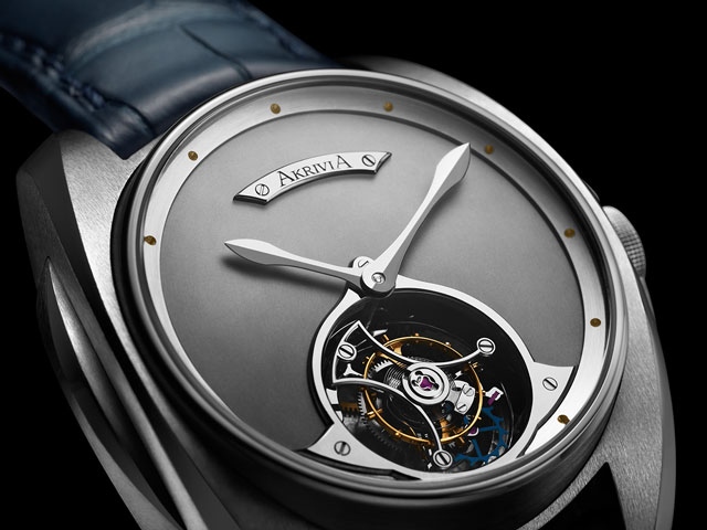 TOURBILLON-HOUR-MINUTE-Akrivia