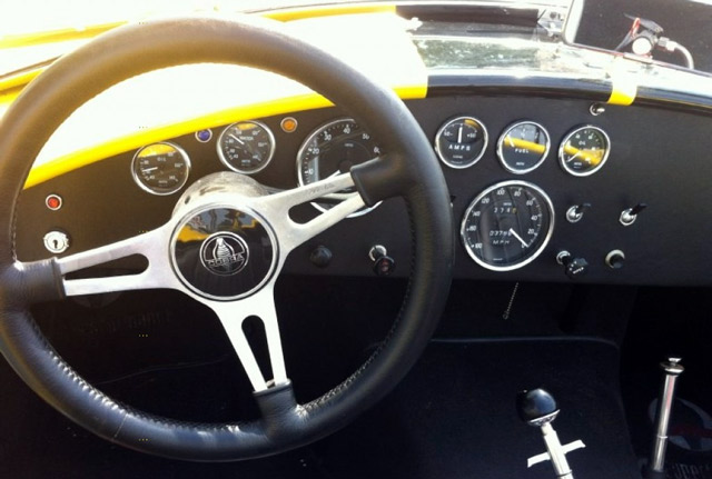 Shelby-Cobra-Superformance-Roadster-capeland-baume-mercier