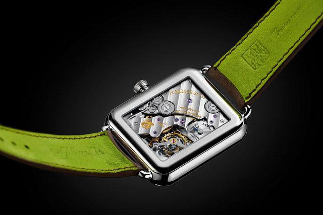 fond-montre-H-moser-swiss-alp-watch-Apple-watch