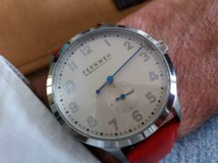 Montre-Fernweh-rouge
