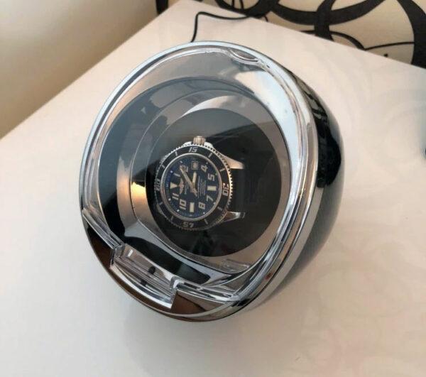 Remontoir-pour-montres-automatiques-carbone